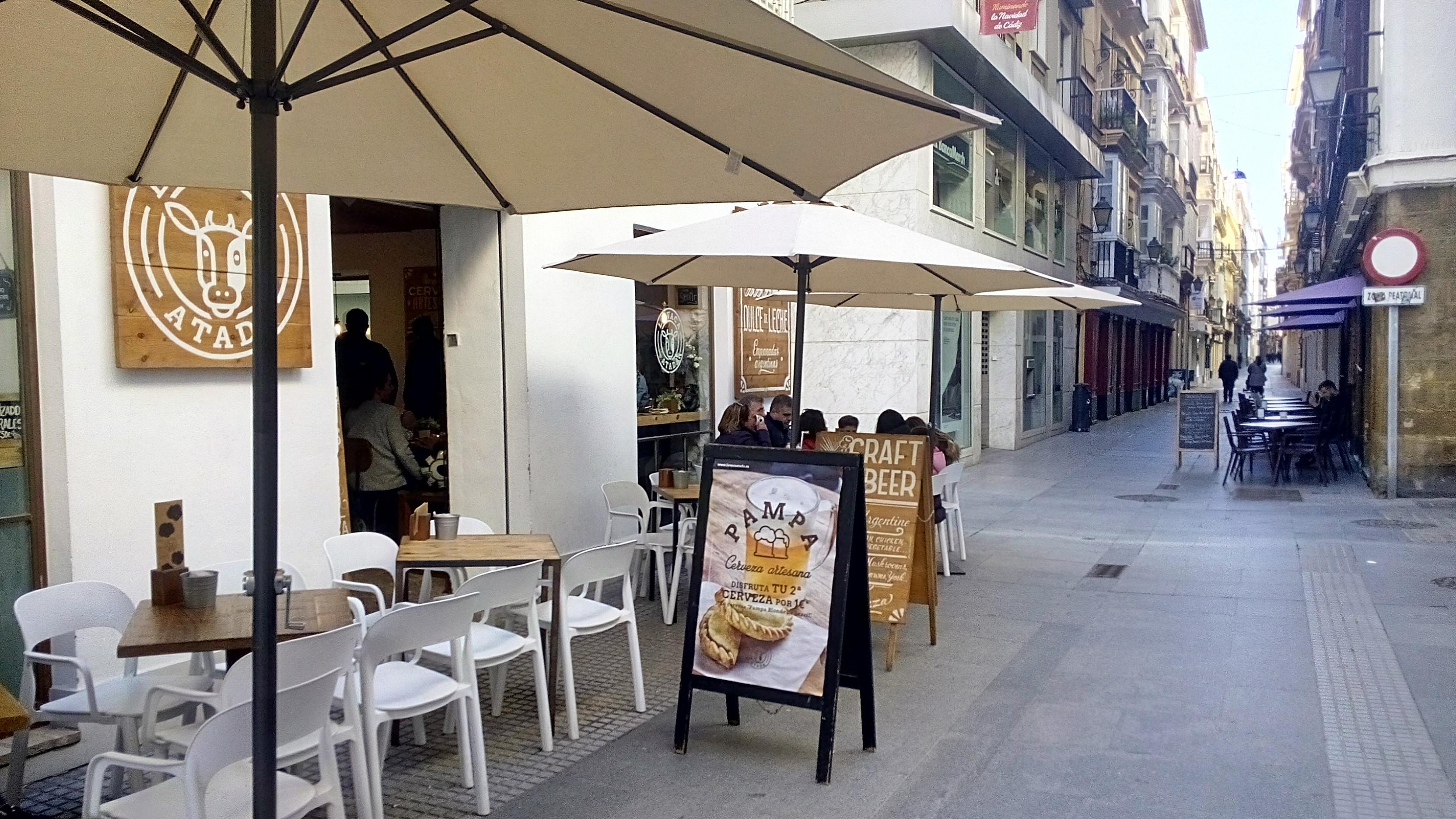 Cafetería en el centro de Cádiz con especialidades argentinas
