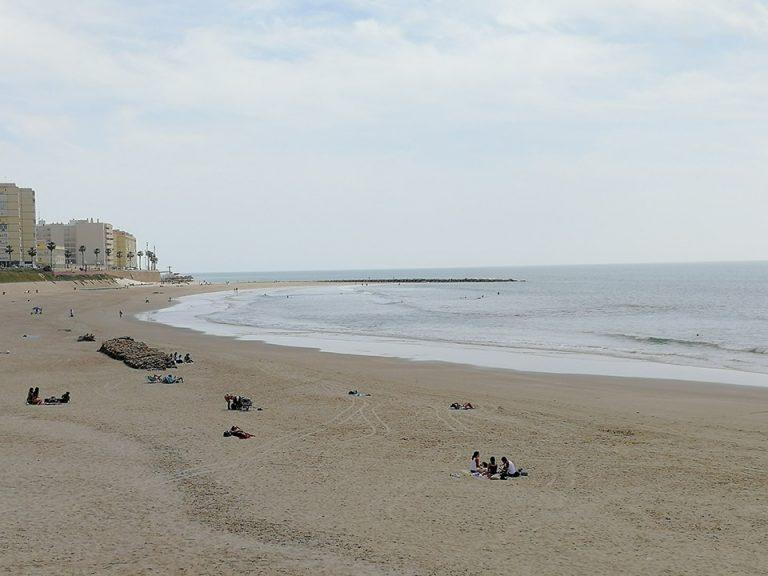 La playita o playa de las mujeres en Cádiz